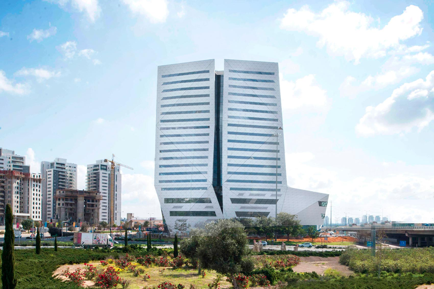 Gualini Azrieli Rishonim Center